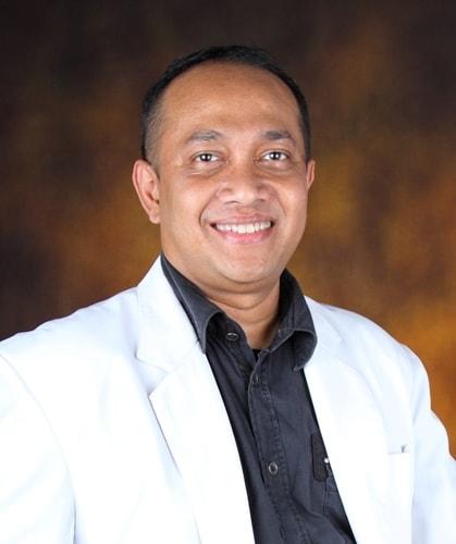 dr. Stephanus Putra Nurdin