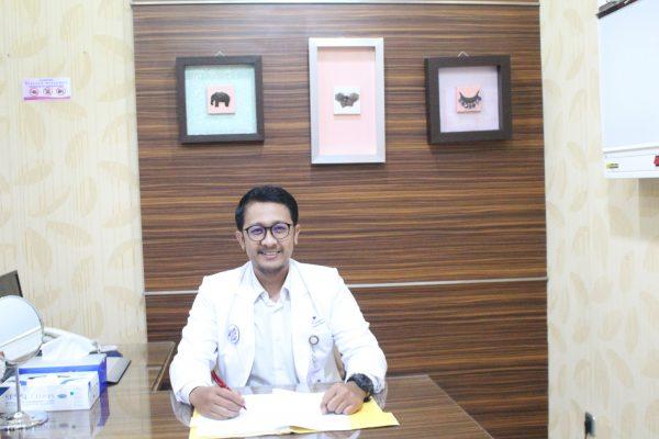 dr. Raden Vasthu Broto Ariyo